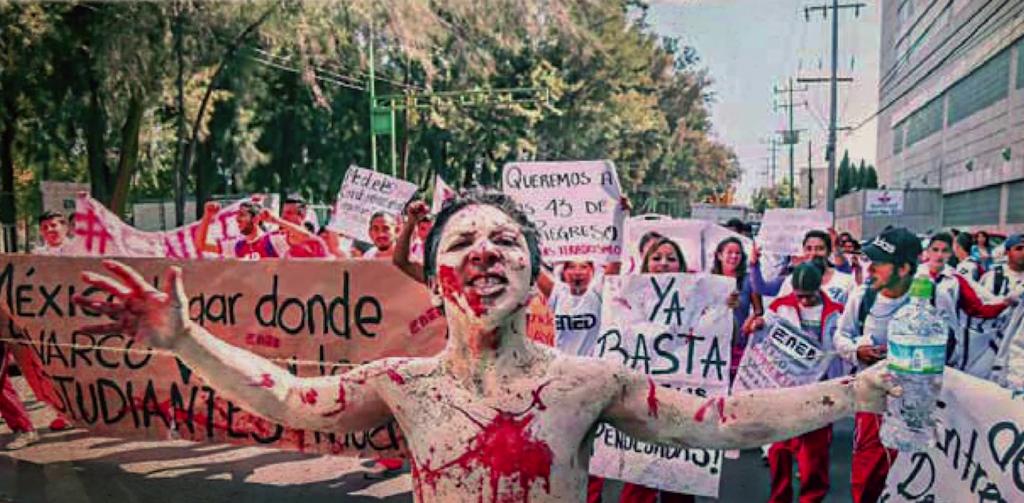 Fotografia marcha de los 43 Ayotzinapa